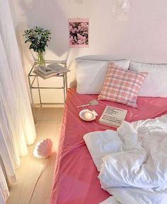 "♡̷⁺₊˚✧ on Twitter: ""pink spaces… "" Room Design Bedroom, Room Ideas Bedroom, Bedroom Decor, Bedroom Inspo, Dream Rooms, Dream Bedroom, Room Ideias, Deco Studio, Pastel Room"