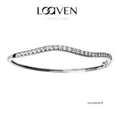 Bracelet jonc mouvementé en argent et zirconium de haute qualité Fermoir de sécurité 85€ sur www.loaven.fr Craquez pour la St Valentin !