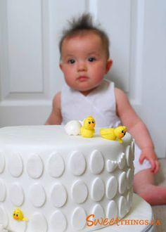 Cute Easter Cake! Love this,plain but makes a big statement.. One of my favorite Easter cakes!