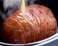 Easy recipe of ham with honey in slow cooker! Source by cffl Simply Recipes, Ham Recipes, Cooking Recipes, Beauty Recipe, Baked Potato, Crockpot, Slow Cooker, Sausage, Easy Meals