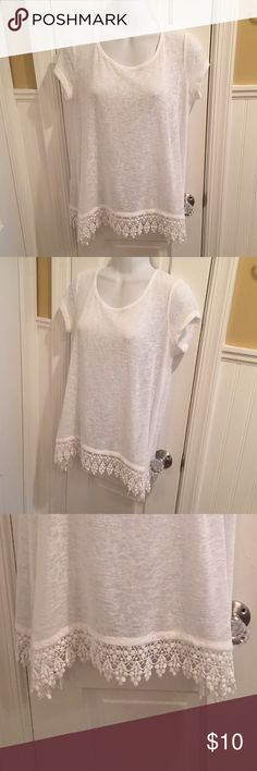 "NY&Co white top Beautiful hem detail. About 26"" long including trim. New York & Company Tops Tees - Short Sleeve"