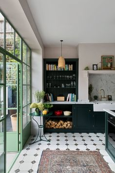 London Townhouse, London House, Devol Kitchens, Home Kitchens, Townhouse Designs, My New Room, Living Room Interior, Kitchen Interior, Victorian Homes