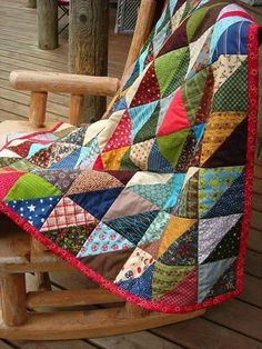 American Folk Quilt throw size by BubbleStitch scrappy folk quilt dark with light good use of scraps - another half-square triangle quilt example This looks such a cosy, comforting quilt. HST scrap quilt -- darker value fabrics consistently on one side of Quilt Baby, Baby Quilts Easy, Quilting Projects, Quilting Designs, Quilting Ideas, Half Square Triangle Quilts, Quilt Modernen, Creation Couture, Scrappy Quilts