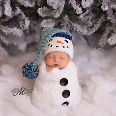 Pattern - Crochet Newborn Snowman Hat, Scarf, and Cocoon Set, Crochet Newborn Snowman Photo Prop, Babies First Christmas Crochet Pattern by AMKCrochet on Etsy https://www.etsy.com/listing/253823065/pattern-crochet-newborn-snowman-hat