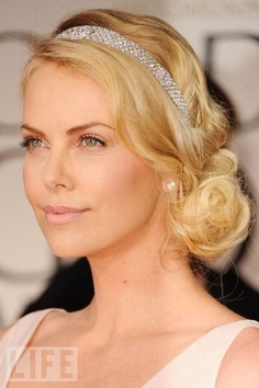 Pictures of Charlize Theron Beautiful Loose Bun Hairstyles For Wedding. Get hairstyles ideas and inspiration with Charlize Theron Beautiful Loose Bun Hairstyles For Wedding. Loose Bun Hairstyles, Wedding Hairstyles For Long Hair, Wedding Hair And Makeup, Headband Hairstyles, Bridal Hairstyles, Hair Updo, Hair Wedding, Vintage Hairstyles, Bun Updo