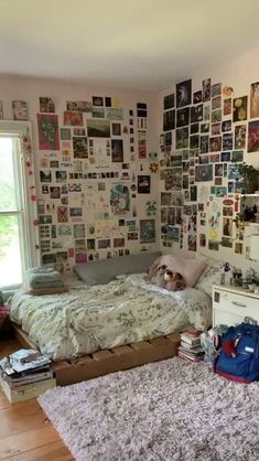 Indie Room Decor, Cute Room Decor, Chill Room, Cozy Room, Retro Room, Vintage Room, Room Ideas Bedroom, Bedroom Decor, Bedroom Inspo