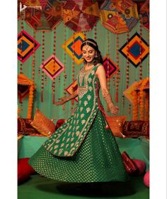 📸: Immense Vision | Indian bride in green and gold kurti & skirt set for her mehendi function | #indianbride #indianwedding #bridalphotography #indianweddingphotography #indianbridalwear #mehndi #bridalhenna #bridalinspiration #weddingideas #bridalportraitposes Mehndi Function Dresses, Indian Dresses, Indian Outfits, Lengha Saree, Mehendi Outfits, Indian Bridal Wear, Traditional Outfits, Green Dress, Kurti Skirt