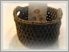 Little Sweet Things Diy Interior, Crochet Clothes, Straw Bag, Diy And Crafts, Basket, Knitting, Sweet, How To Make, Crochet Ideas