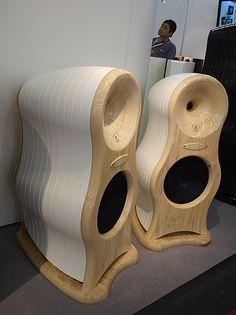 Hifi Pig's final coverage of the Munich High End Hifi Show 2013 Pro Audio Speakers, Audiophile Speakers, Horn Speakers, Music Speakers, Hifi Audio, Audio Box, Acoustic Design, Audio Design, Car Audio Installation