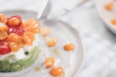 Easy Summer Lunch: Avocado Tartare - Oh La Latkes Avocado Toast, Ketogenic Diet, Lchf, Mozzarella, Paleo, Dinner, Cooking, Breakfast