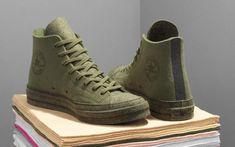 Anderson x Converse Chuck 70 in the tonal green colorway. Custom Converse, Converse Sneakers, Sneakers Fashion, Converse Chuck, Chuck Taylor Boots, Mens Clothing Styles, Sport, Mens Fashion, Beagles