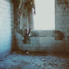 17 & GONE inspiration: An abandoned place; a levitating girl. (Photo by Ana Luísa Pinto)