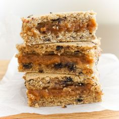 The Tasty K | Salted Caramel Almond Blondies | http://thetastyk.com