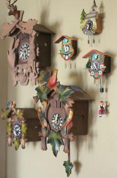 Cassie Stephens: What the Art Teacher Wore Coo Coo Clock, Cassie Stephens, Wall Watch, Clock Art, Grandfather Clock, Antique Clocks, Elementary Art, Art Lessons, Art History