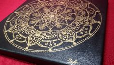 "Acrylmalerei - Mandala ""Gold flower"". - ein Designerstück von PetiteMaman-Atelier bei DaWanda"