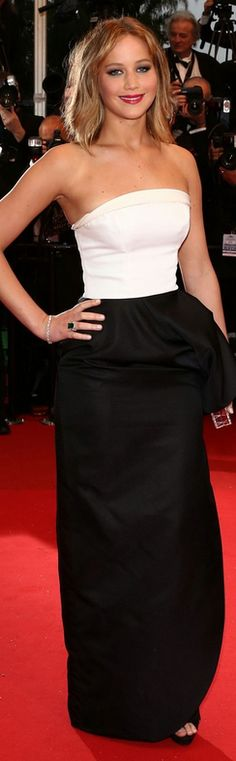 Who made Jennifer Lawrences black and white strapless gown, jewelry, shoes and clutch handbag that she wore in Cannes?