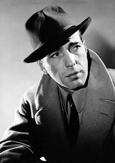 Humphrey Bogart Poster, Here's Looking At You Kid, Vintage Photo - Iconic Humphrey Bogart Print - Legends Of Hollywood Silver Screen Star Hollywood Men, Golden Age Of Hollywood, Hollywood Actresses, Classic Hollywood, Vintage Hollywood, 1950s Movie Stars, Old Movie Stars, Vintage Movie Stars, Barefoot Contessa