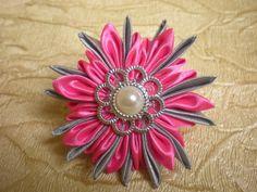 Красивый Цветок Канзаши - Резинка для волос из Лент 2.5 см. Своими рукам...
