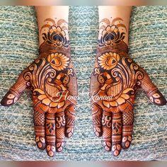 No photo description available. Basic Mehndi Designs, Peacock Mehndi Designs, Indian Mehndi Designs, Henna Art Designs, Mehndi Designs For Girls, Mehndi Design Pictures, Wedding Mehndi Designs, Mehndi Designs For Fingers, Latest Mehndi Designs