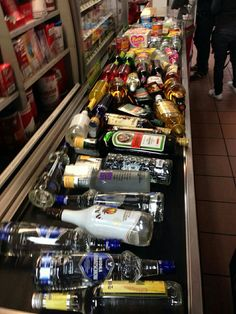 45 ideas for party alcohol night Party Pictures, Funny Pictures, Random Pictures, Alcohol Pictures, Rauch Fotografie, Alcohol Aesthetic, Partying Hard, Getting Drunk, Bad Girl Aesthetic
