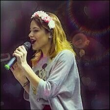 Martina canta