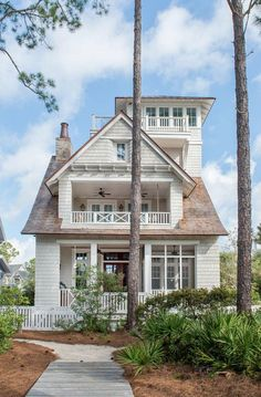 Empty Nesters Florida Vacation Home - Love the outside of this house - maybe something like this for the HIMH at OH?
