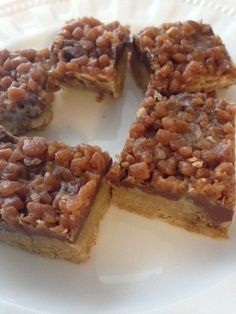 Recipe: Skor Toffee Bars – Delicious – A Little Bit of Momsense Recipe: Skor Toffee Chocolate squares Candy Recipes, Sweet Recipes, Baking Recipes, Cookie Recipes, Bar Recipes, Shrimp Recipes, Recipies, Köstliche Desserts, Delicious Desserts