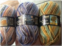 novelos de lã malhados, baseados nos quadros de Van Gogh