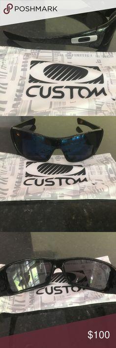 Men's Oakley sunglasses Oakley Antix men's sunglasses. Blue polarized glass. Great condition. Comes with case. Oakley Accessories Glasses