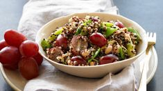 Hearty Quinoa Salad with Grapes and White Beans Healthy Cooking, Healthy Eating, Cooking Recipes, Healthy Recipes, Healthy Meals, Healthy Food, Grape Salad, Quinoa Salad, Grape Recipes