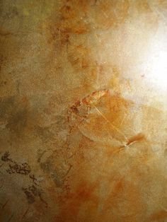 Beautiful golden and bronze glazes Faux Finishes For Walls, Faux Walls, Wall Finishes, Painting Textured Walls, Faux Painting, Faux Granite, Diffused Light, Wall Treatments, Metallic Paint