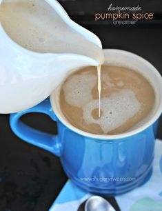 Pumpkin Spice Coffee creamer: easy, delicious coffee creamer made it home! #copycat