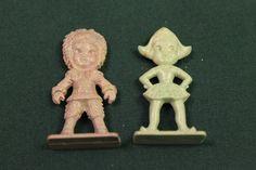 Vintage 1968 Cracker Jack prizes toysvintage by julesoldjewels