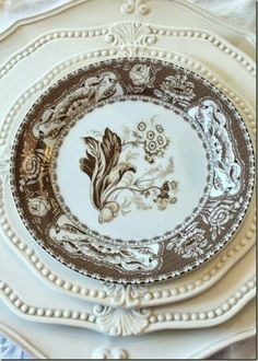 common ground : Thanksgiving Tablescapes with Transferware Vintage Dishes, Vintage China, Le Vieux Logis, White Dishes, White Plates, Beautiful Table Settings, Thanksgiving Tablescapes, China Patterns, Decoration Table
