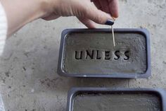 how to make cement garden stones with personalized words and phrases (Cement Step One Day)