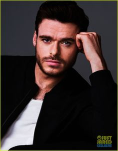 'Cinderella' Stars Lily James & Richard Madden Talk Love, Life & Fairytales (Exclusive Pictures) | lily james richard madden justjared exclusive portrait session 04 - Photo