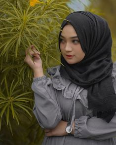 Beautiful Hijab, Blouse Designs, Hot, Beauty, Instagram, Fashion, Crowns, Moda, Fashion Styles
