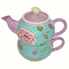 tea pot with floral designs