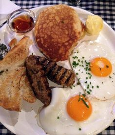 California Breakfast Slam - Two eggs dish