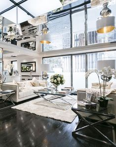 Which A-Lister's Old Penthouse Is Now The Most Expensive In London Tom Cruise'sformer pied-à-terre is now the most expensive penthouse in London–peek inside!Tom Cruise'sformer pied-à-terre is now the most expensive penthouse in London–peek inside! Luxury Homes Interior, Luxury Home Decor, Home Interior Design, Mansion Interior, Home Decor Bedroom, Home Living Room, Living Spaces, Room Decor, Luxury Apartments London