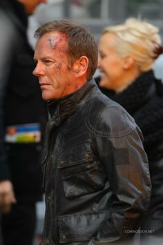 """""""24 heures chrono"""" : Jack Bauer en sang sur le tournage de la saison 9 ! [PHOTOS] - News Série Tournages - AlloCiné"""
