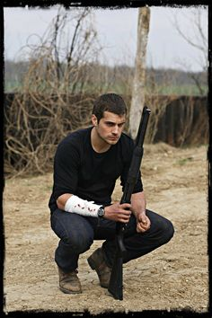HENRY CAVILL as Shura...he just needs period piece clothing.