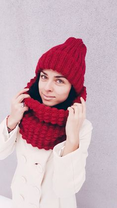 Set of red crochet cowl scarf Knitted hat Red by KvitkaShop