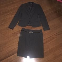 Express Suit Jacket Black suit jacket from express. Perfect condition, I bought this too big so I never really wore it.  Matching pencil skirt is size 2, will discount for the bundle - just ask! Express Jackets & Coats Blazers