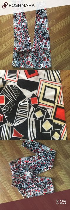 Vintage LuLaRo NWOT leggings These are brand new never worn Vintage Lula.  I had them on my closet and forgot about them.  This is a perfect deal.  OS fits up to a size 12. LuLaRoe Pants Leggings