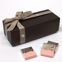 Ramadan Kareem Gift Box: Patchi Choco... Chocolate Pictures, I Love Chocolate, Chocolate Gifts, Bisnis Ideas, Eid Hampers, Eid Party, New Project Ideas, Creative Gifts, Creative Package