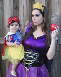 Snow White Halloween Costume, Matching Halloween Costumes, Halloween Costumes For Girls, Baby Costumes, Holidays Halloween, Happy Halloween, Disney Family Costumes, Mother Daughter Halloween Costumes, Evil Queen Costume