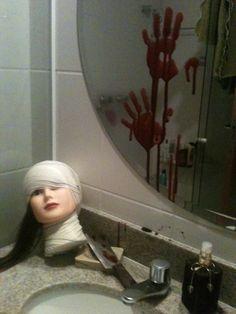 """Nunca meu banheiro foi tão visitado e fotografado durante uma festa, Como disse o netinho de minha amiga: """" ficou sinistro""""! !!  Misturei co..."""