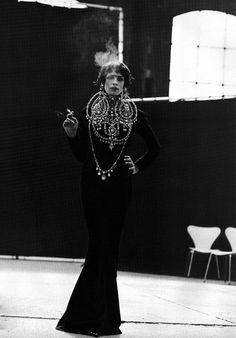 ue IT - Couture Supplement - Tanga Moreau - Sep 1997