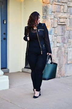 Today we shine the light on plus size personal style blogger, Crystal from Sometimes Glam! #tcfstyle #plussize #psbloggers